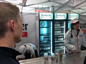 Pasta Party da maratona, claro que tinha um bar com cerva sem álcool.